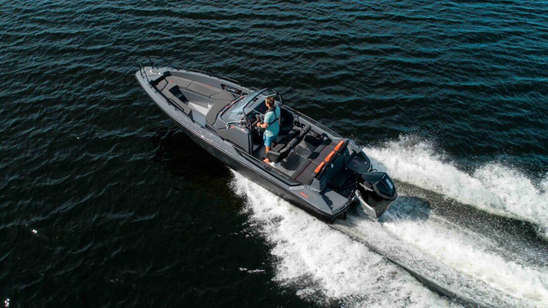 RS 705 Enduromed mercury Verado 250 hk i fart