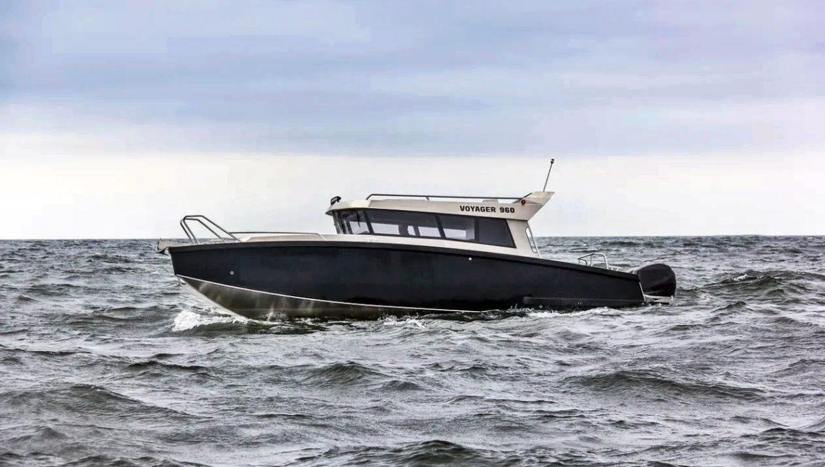 V-Boats 960 side