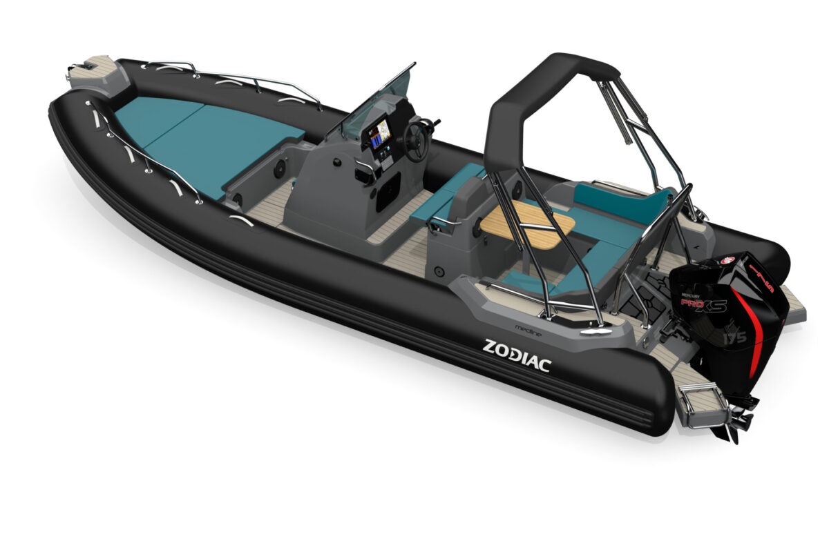Zodiac Medline 6.8 Black Carbon fjord Mercury Stokken Båt